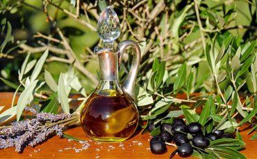 ماذا يفعل زيت الزيتون للمعدة و فوائد مذهلة للجسم